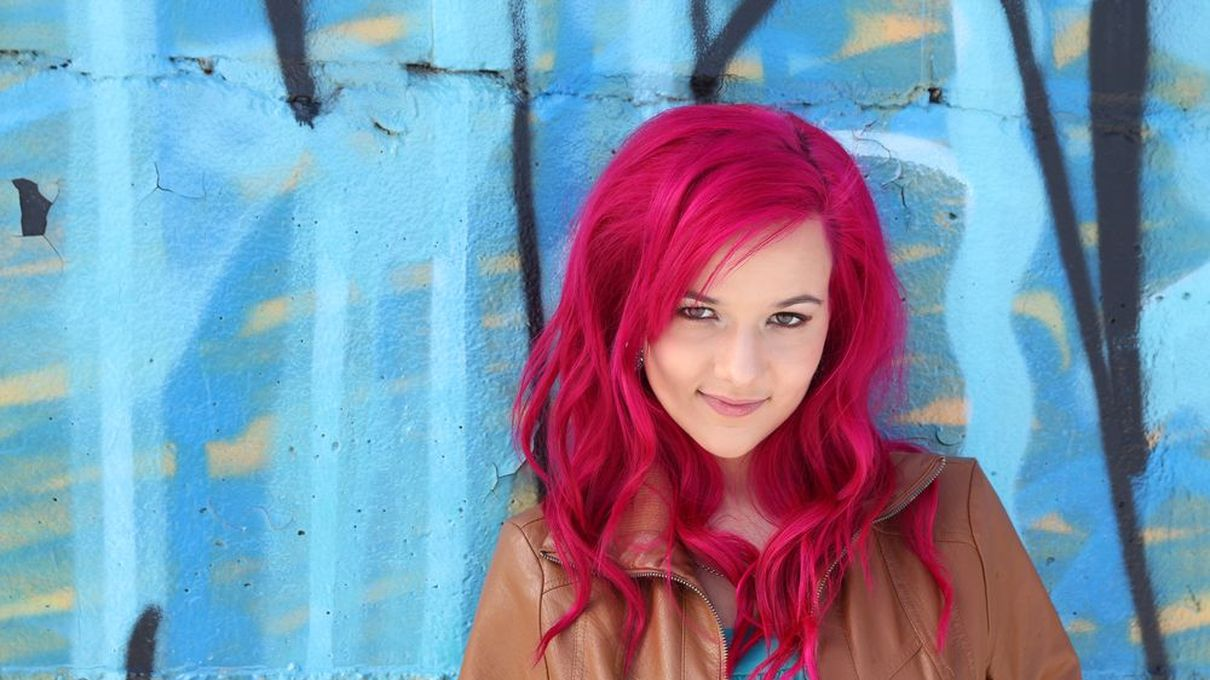 What Crazy Color Should You Dye Your Hair Howstuffworks