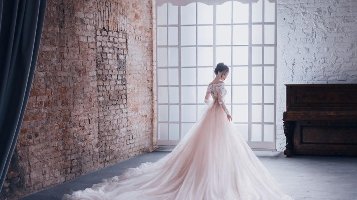 Which Wedding Dress Flatters Your Body Type Howstuffworks