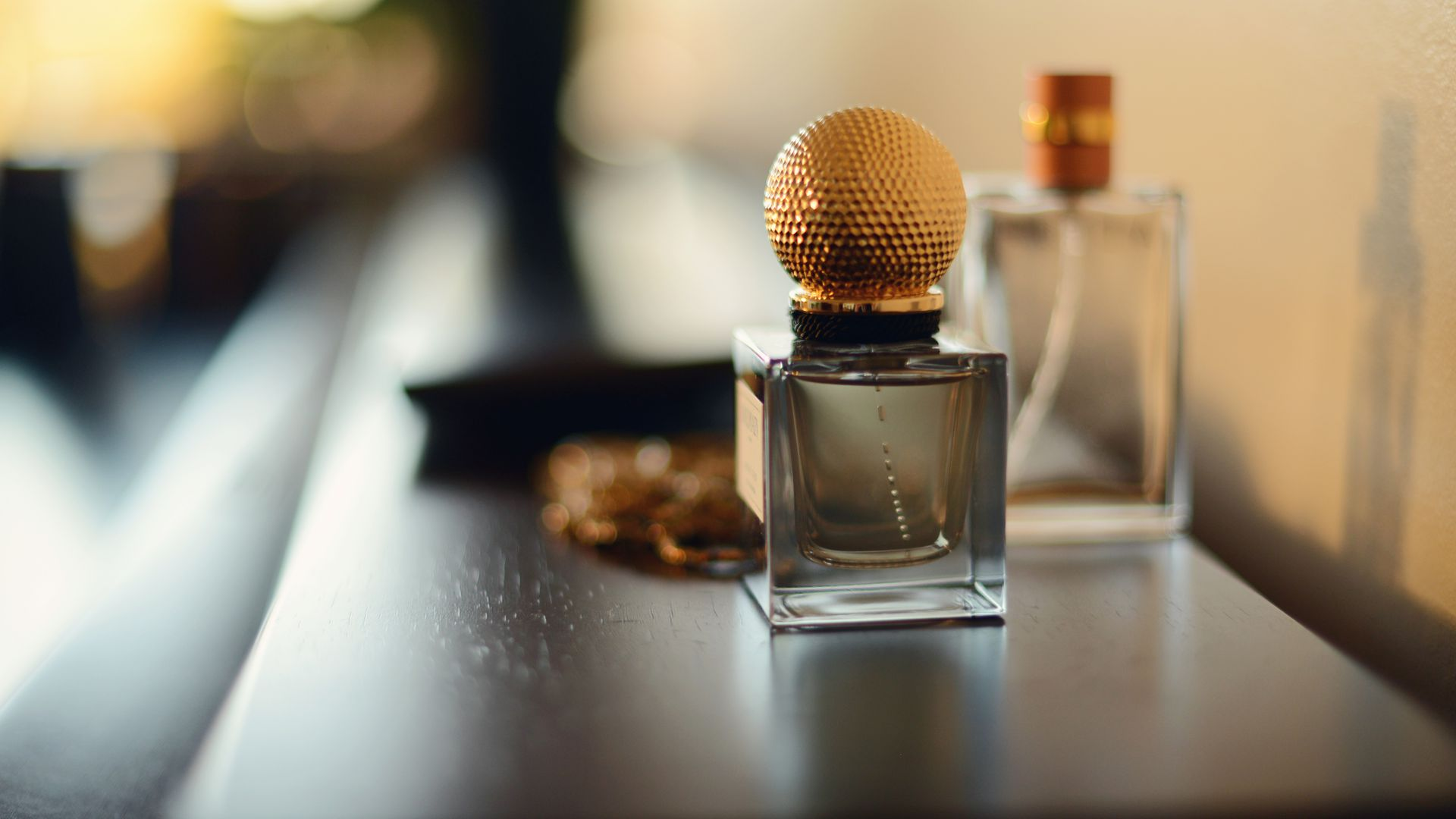 Tell Us About Your Personality And We Ll Match You To Your Signature Scent Howstuffworks